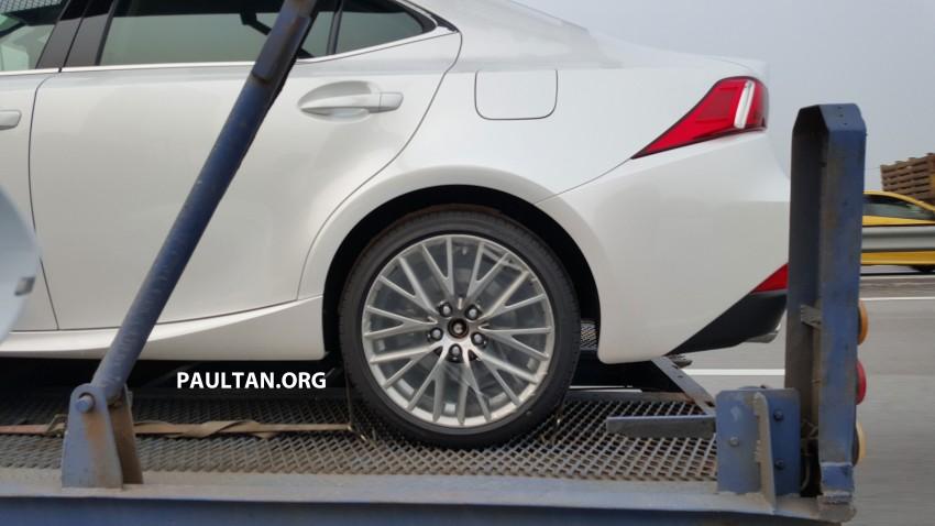 SPYSHOTS: Lexus IS 200t ahead of Malaysian launch Image #386139