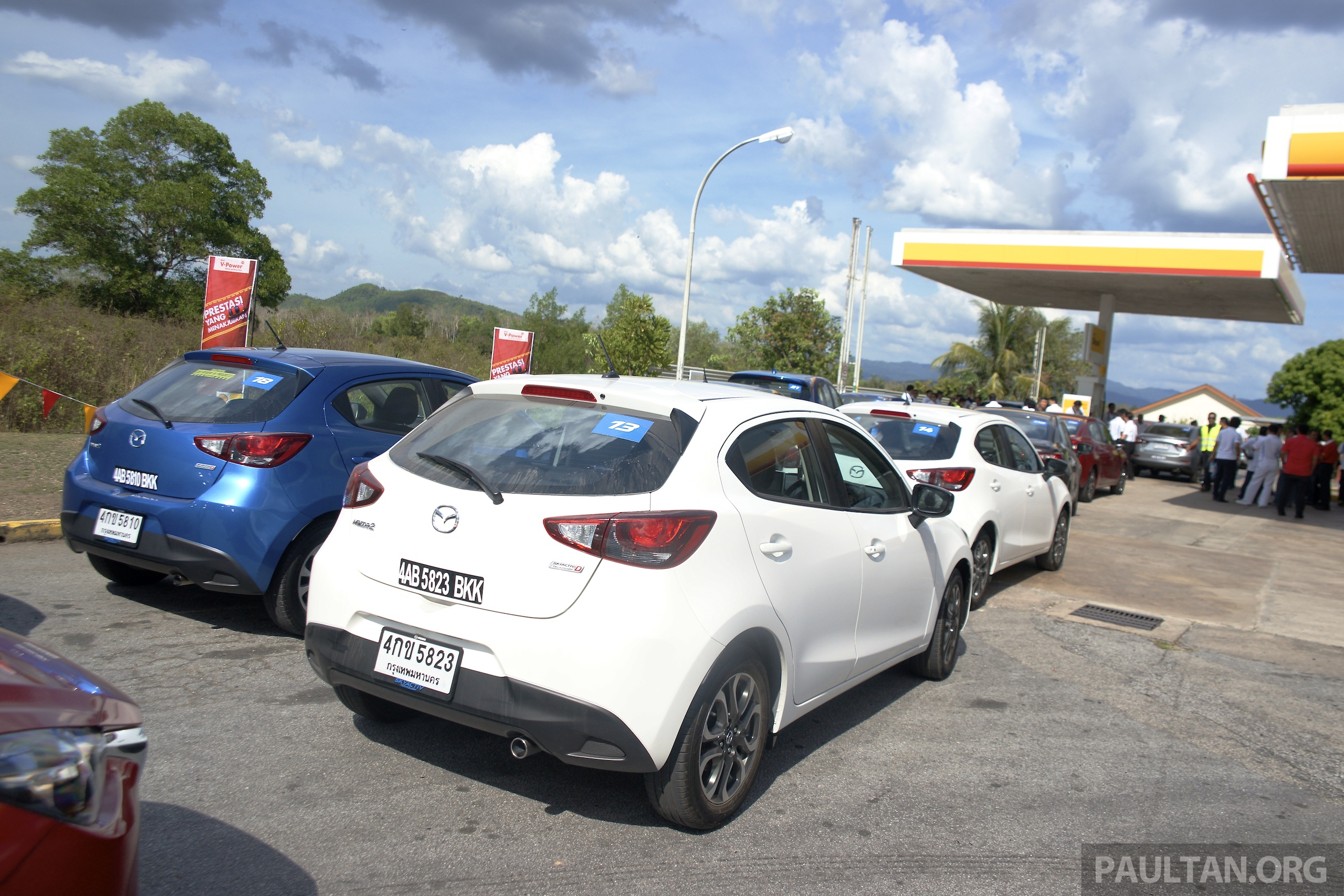 driven mazda 2 1 5l skyactiv d diesel put to the test 1 041 km from bangkok to border on a. Black Bedroom Furniture Sets. Home Design Ideas
