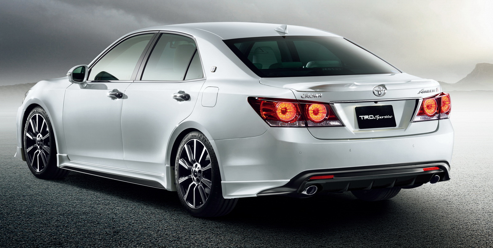 2016 Toyota Crown Facelift Receives Trd Styling Kits Paul Tan Image 390395