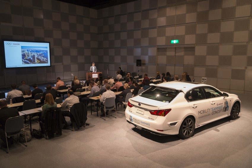 VIDEO: We experience Toyota's Highway Teammate autonomous driving tech in a modified Lexus GS Image #400672