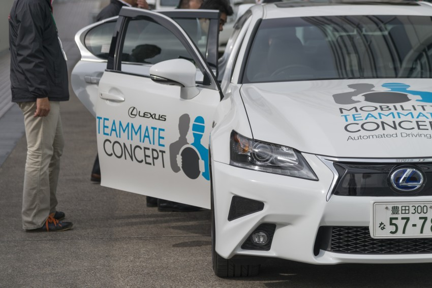 VIDEO: We experience Toyota's Highway Teammate autonomous driving tech in a modified Lexus GS Image #400679