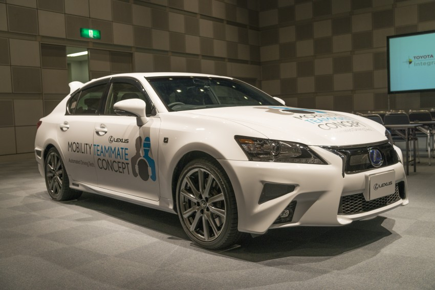 VIDEO: We experience Toyota's Highway Teammate autonomous driving tech in a modified Lexus GS Image #405336