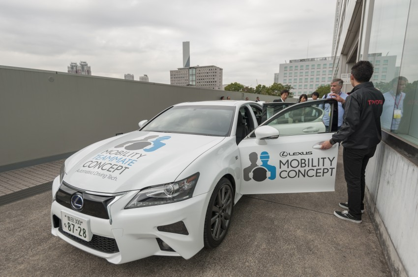VIDEO: We experience Toyota's Highway Teammate autonomous driving tech in a modified Lexus GS Image #405324