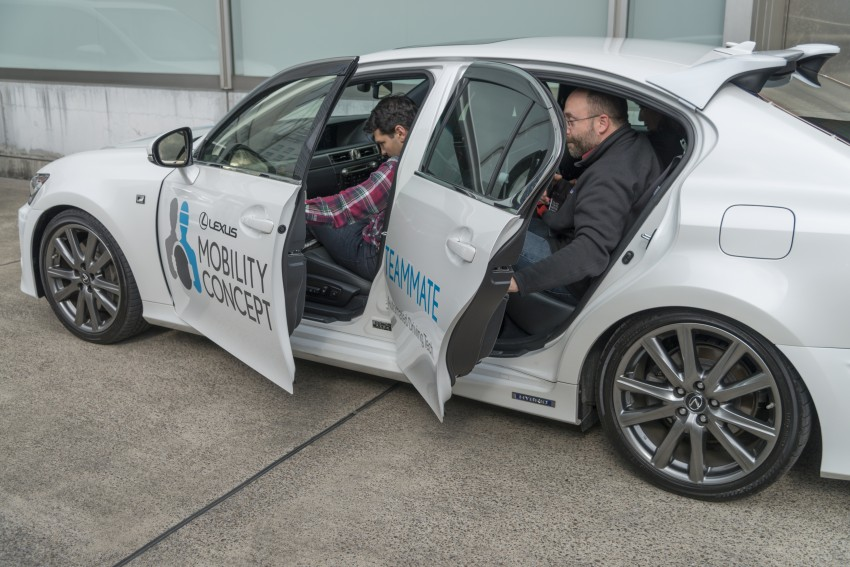 VIDEO: We experience Toyota's Highway Teammate autonomous driving tech in a modified Lexus GS Image #405318