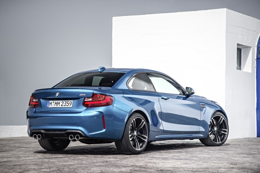 BMW M2 Coupe officially unveiled – 370 hp, 465 Nm Image #392190