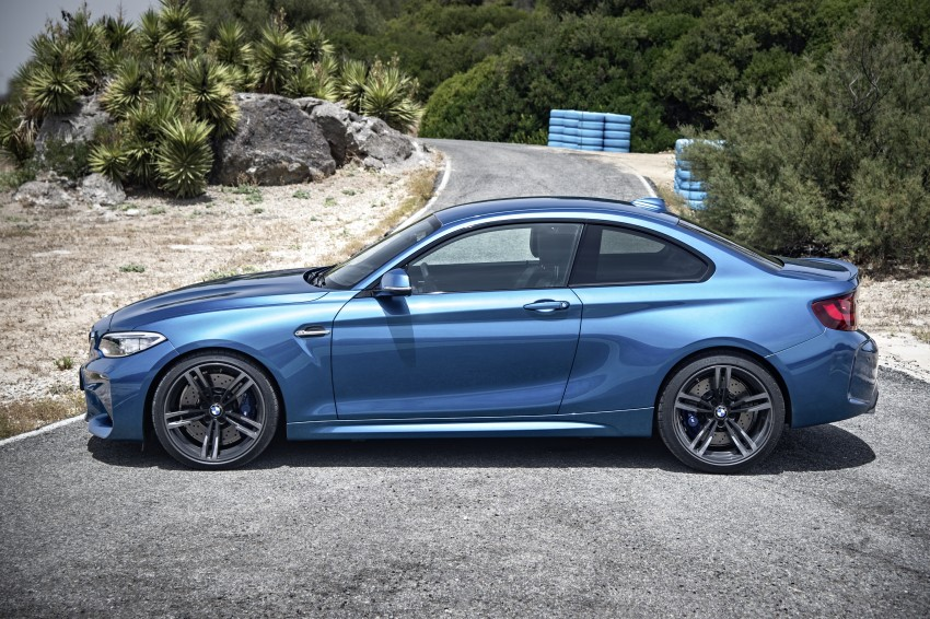 BMW M2 Coupe officially unveiled – 370 hp, 465 Nm Image #392157