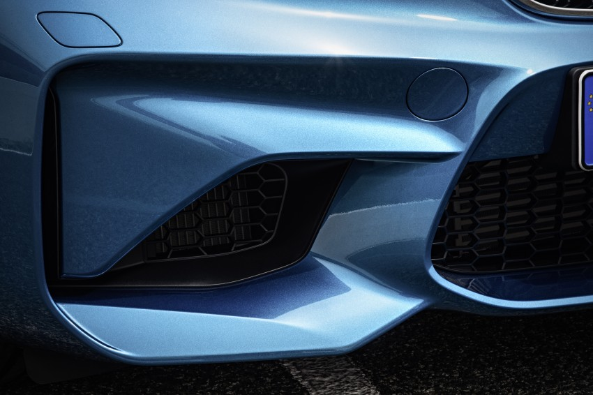 BMW M2 Coupe officially unveiled – 370 hp, 465 Nm Image #392159