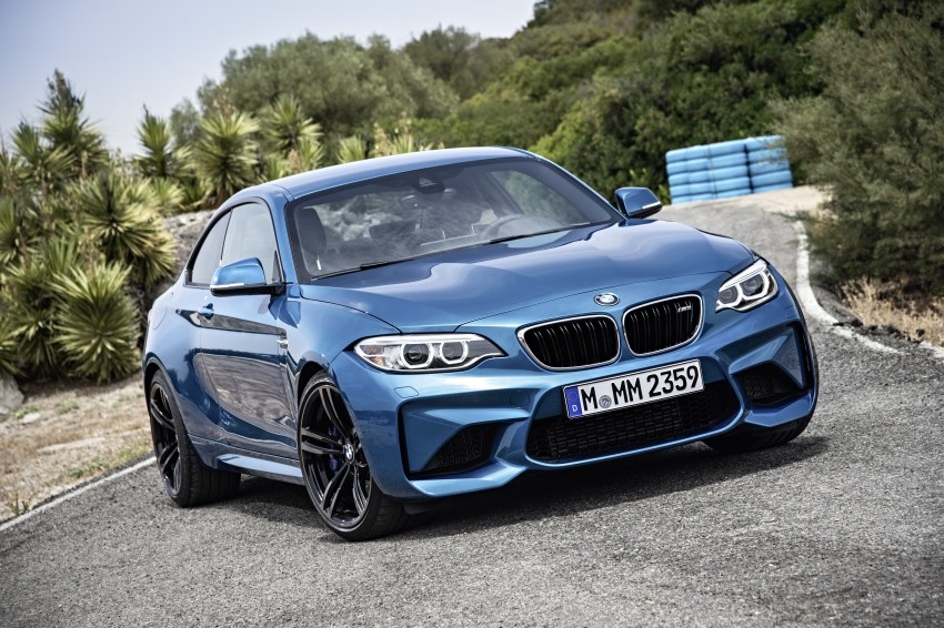 BMW M2 Coupe officially unveiled – 370 hp, 465 Nm Image #392160