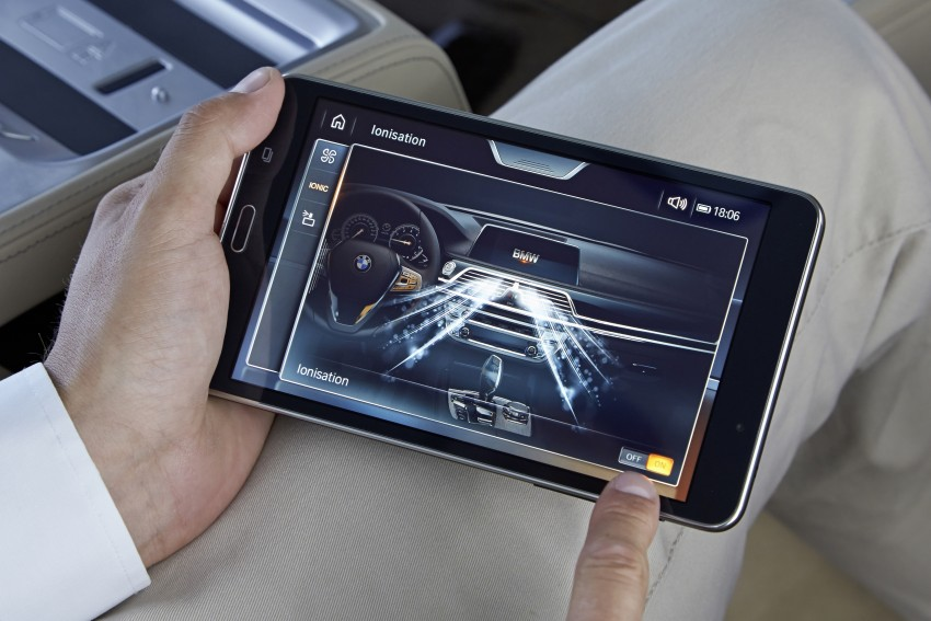 GALLERY: G11 BMW 7 Series in right hand drive form Image #391656