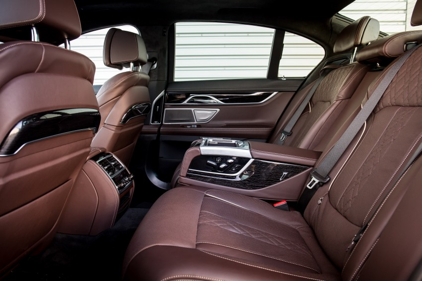 GALLERY: G11 BMW 7 Series in right hand drive form Image #391717