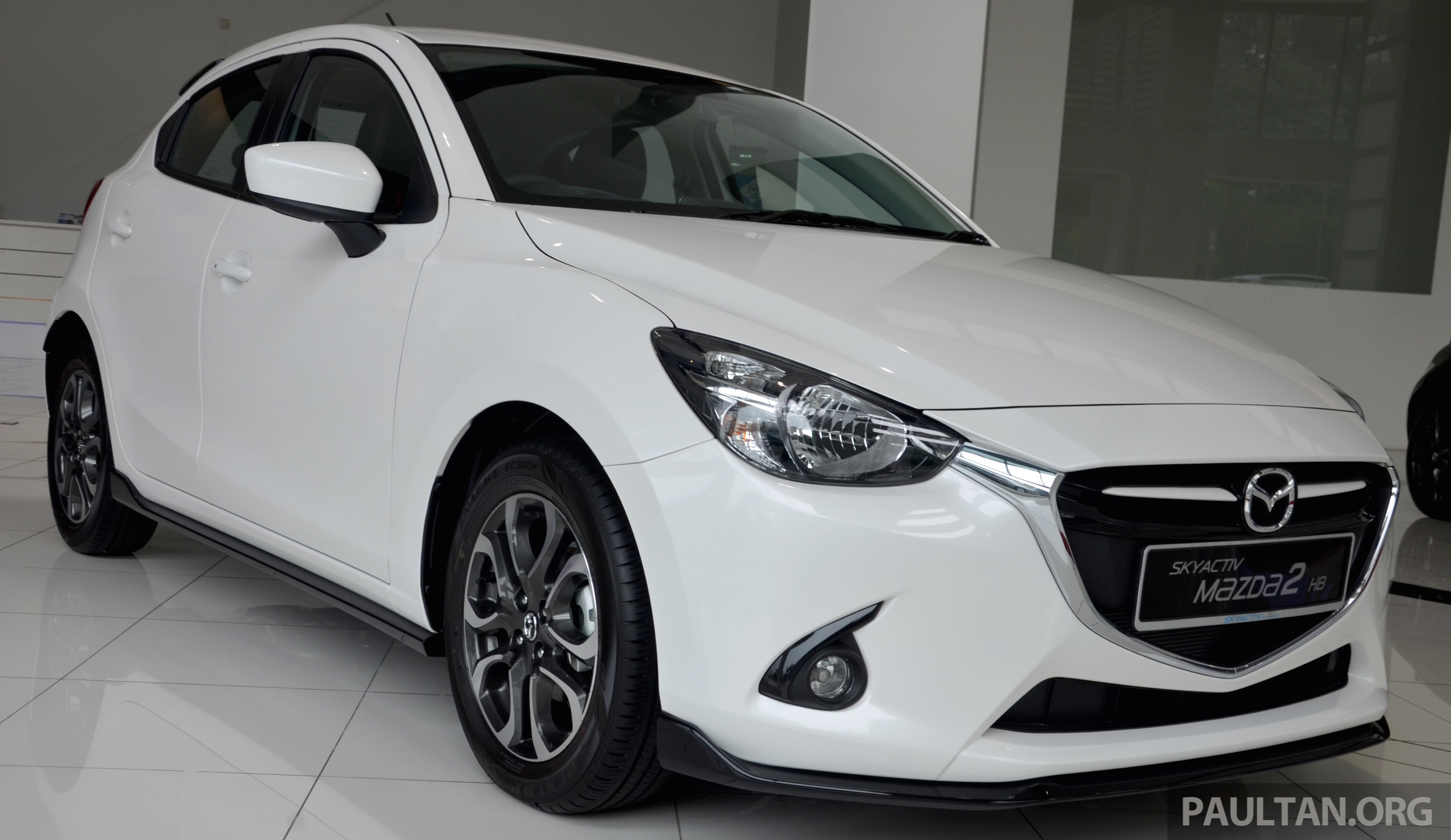 gallery 2015 mazda 2 1 5 hatch with sports kit. Black Bedroom Furniture Sets. Home Design Ideas