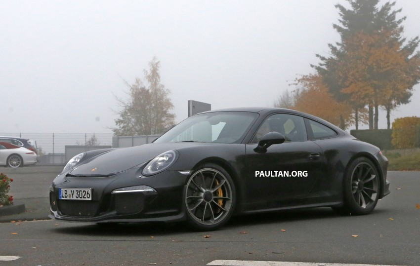 SPIED: Porsche 911 R goes testing sans camouflage Image #399480