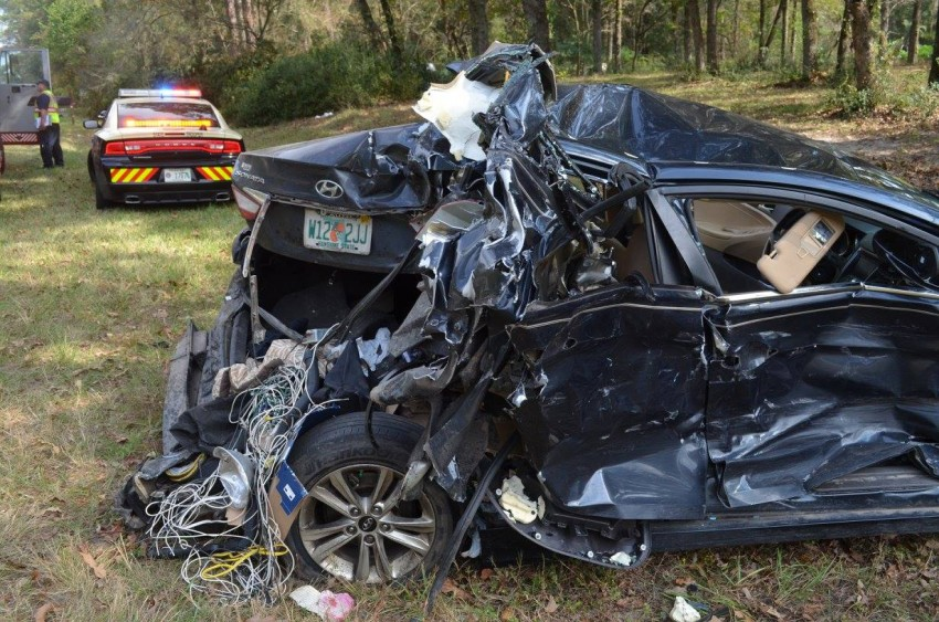Children survive horrific accident – a clear example of how crucial child safety seats are in saving lives Image #403401