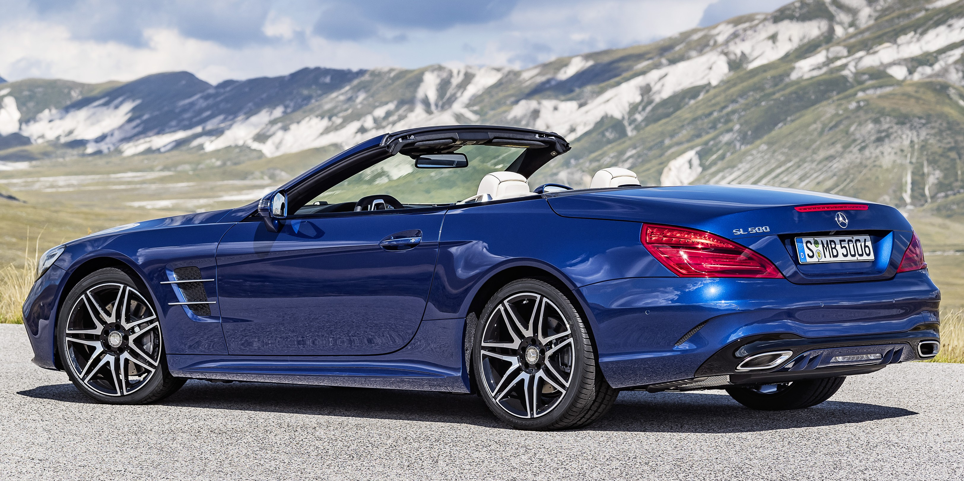 R231 mercedes benz sl facelift unveiled sl 400 sl 500 for Mercedes benz sl500 amg