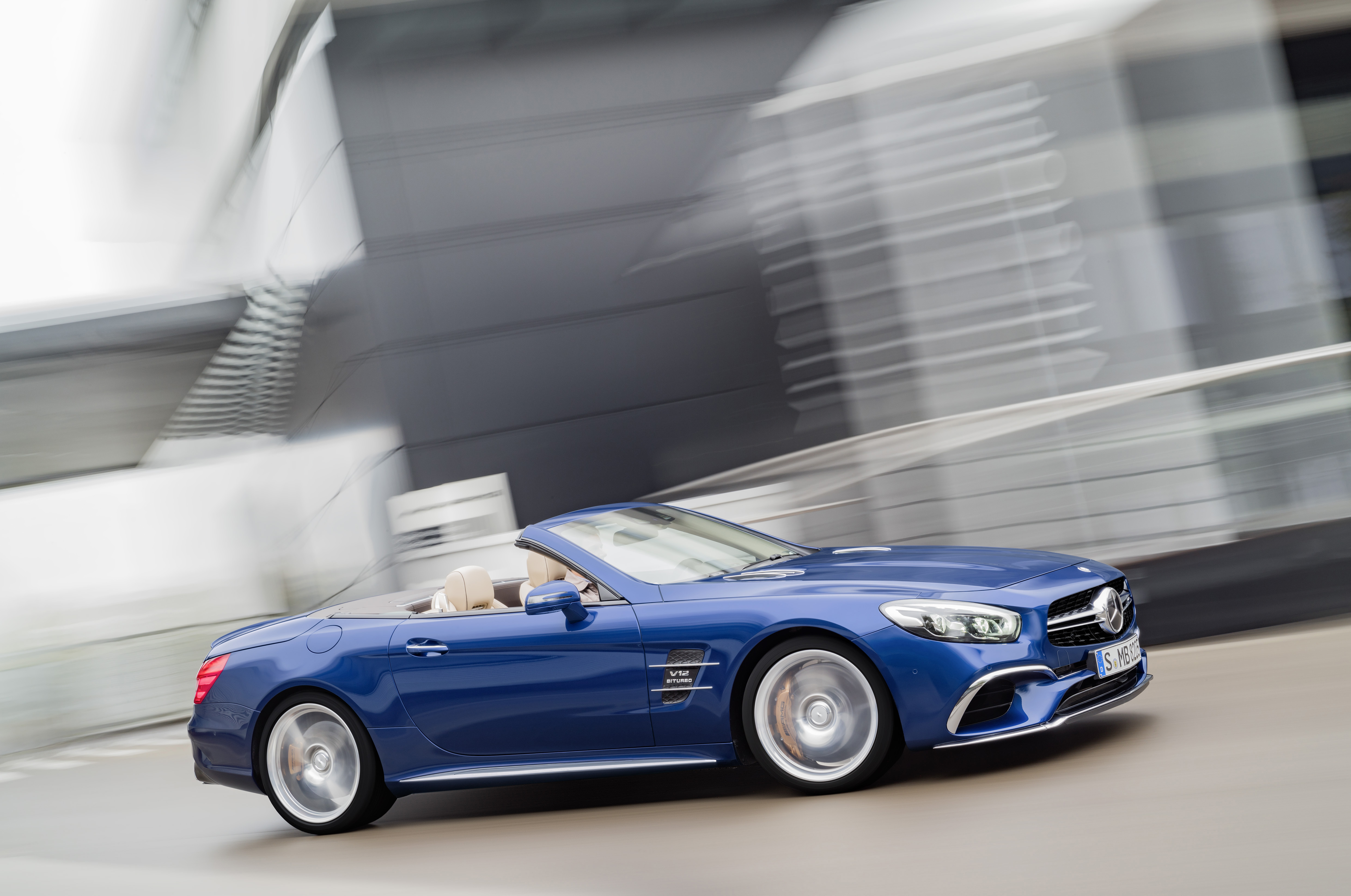 r231 mercedes benz sl facelift unveiled sl 400 sl 500. Black Bedroom Furniture Sets. Home Design Ideas