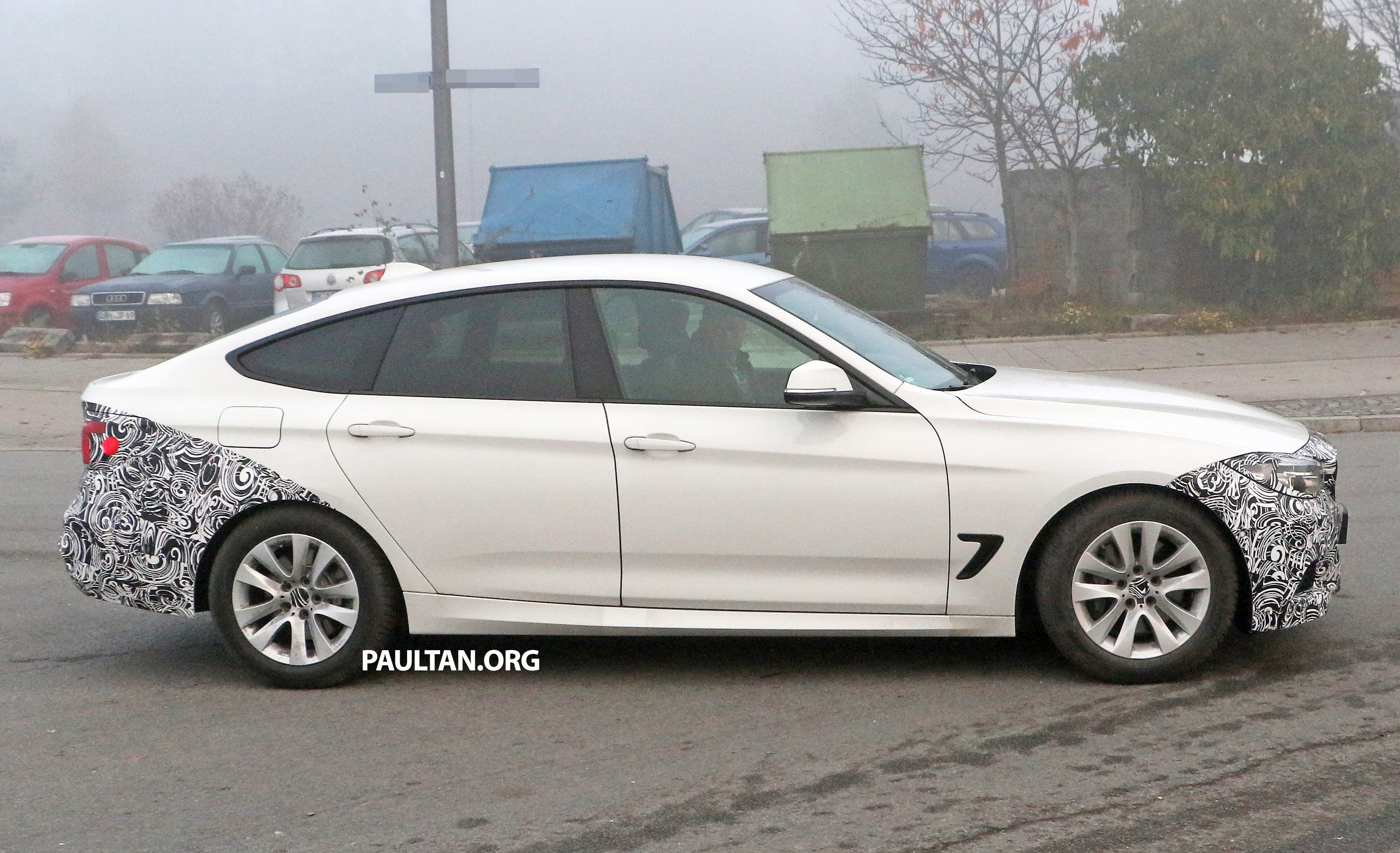 spyshots bmw 3 series gt lci almost bares it all image 405000. Black Bedroom Furniture Sets. Home Design Ideas