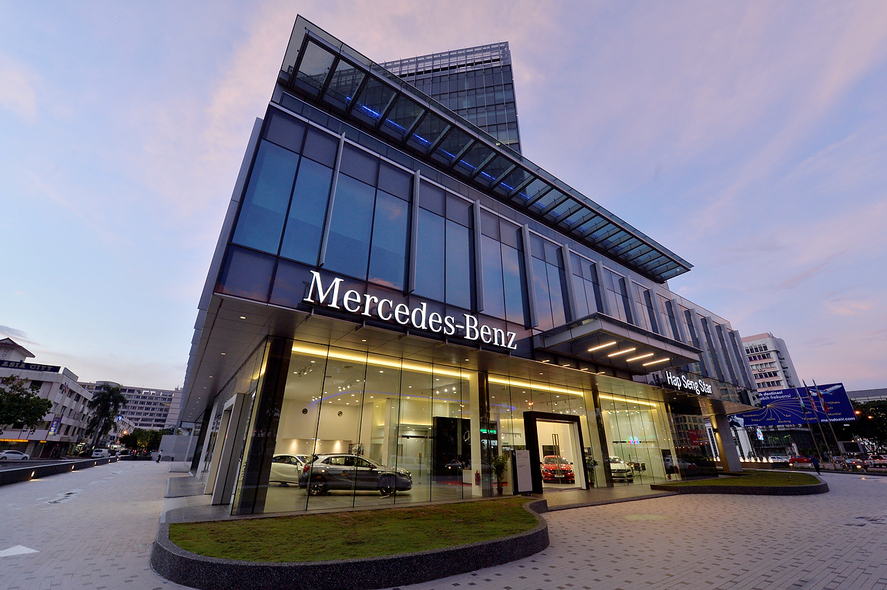 Mercedes benz malaysia and hap seng star open new rm2 for Plaza mercedes benz service