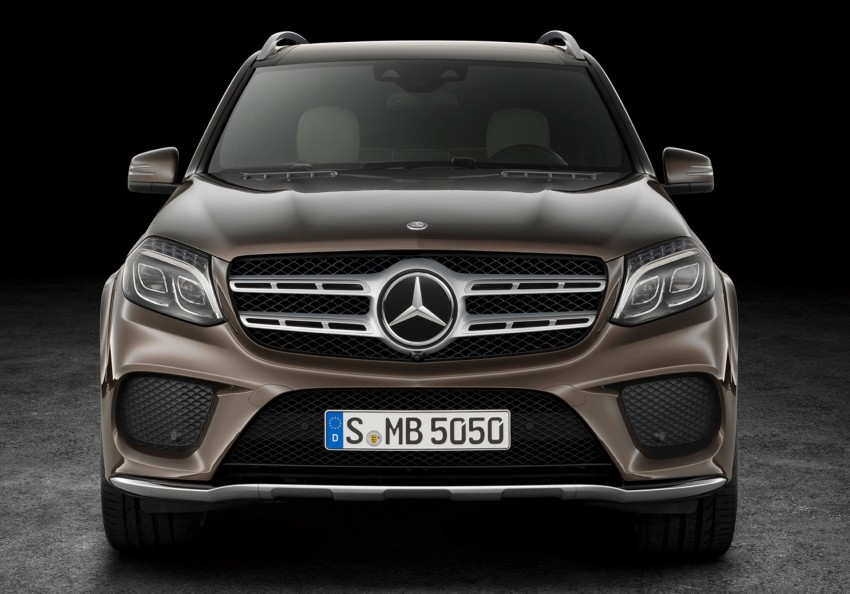 Mercedes-Benz GLS debuts – the S-Class among SUVs Image #402027