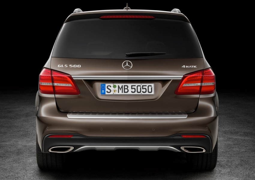 Mercedes-Benz GLS debuts – the S-Class among SUVs Image #402028