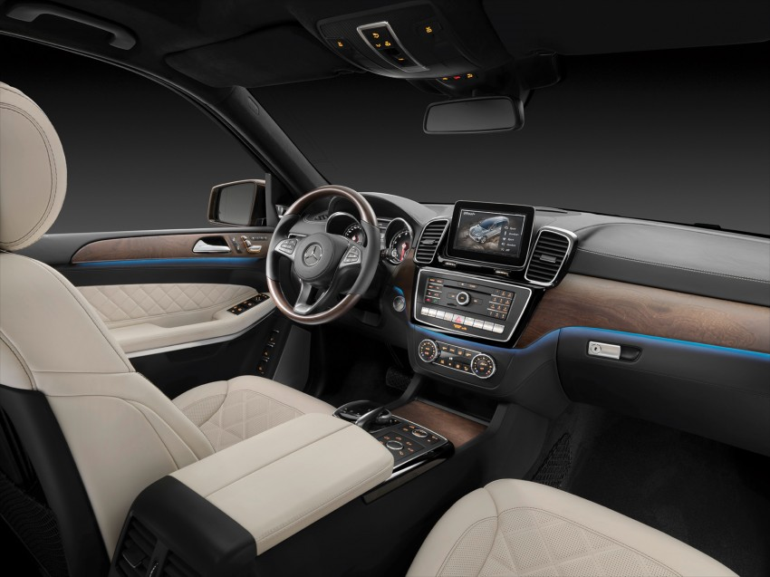 Mercedes-Benz GLS debuts – the S-Class among SUVs Image #402029