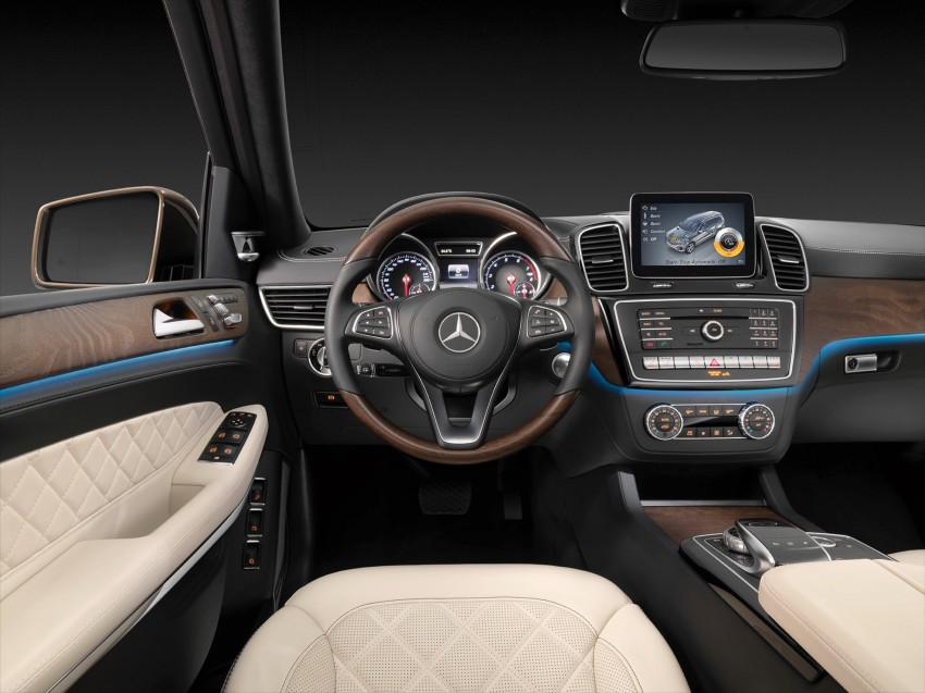 Mercedes-Benz GLS debuts – the S-Class among SUVs Image #402030