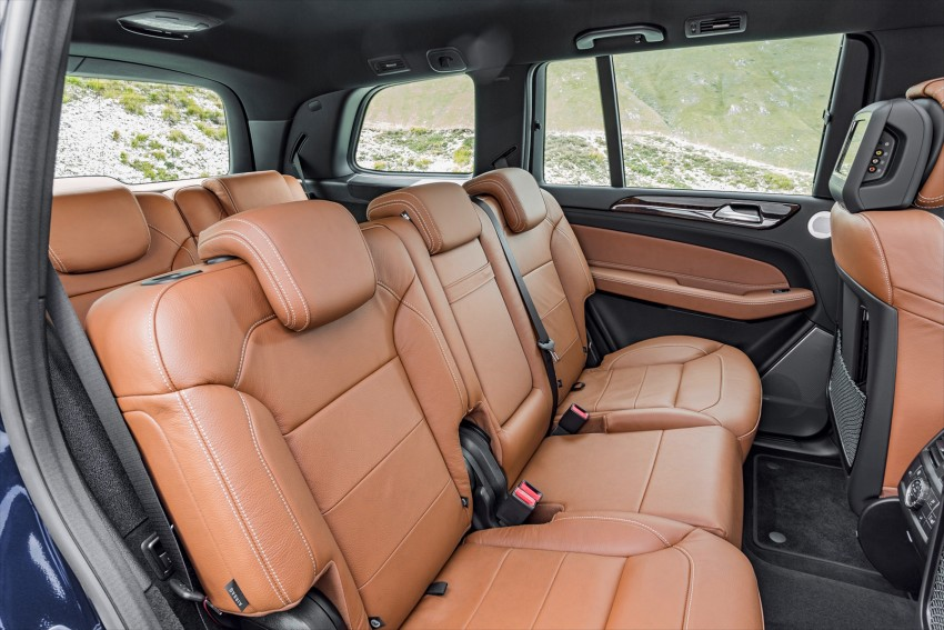 Mercedes-Benz GLS debuts – the S-Class among SUVs Image #402040
