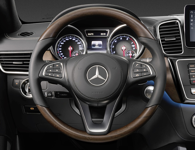 Mercedes-Benz GLS debuts – the S-Class among SUVs Image #402169
