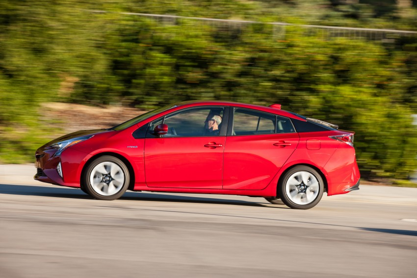MEGA GALLERY: 2016 Toyota Prius debuts in the US Image #410204