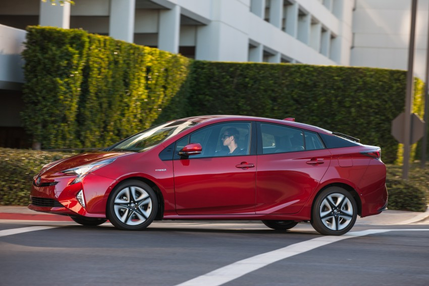 MEGA GALLERY: 2016 Toyota Prius debuts in the US Image #410206