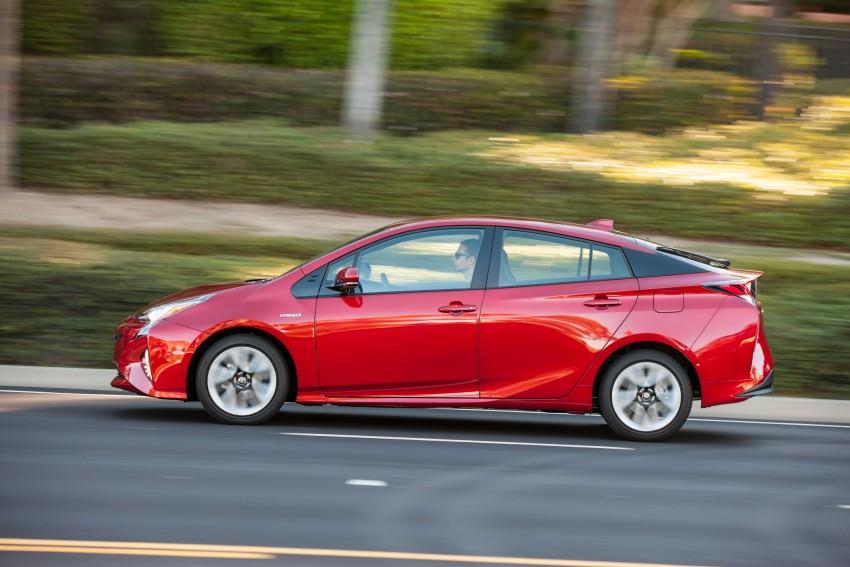 MEGA GALLERY: 2016 Toyota Prius debuts in the US Image #410203