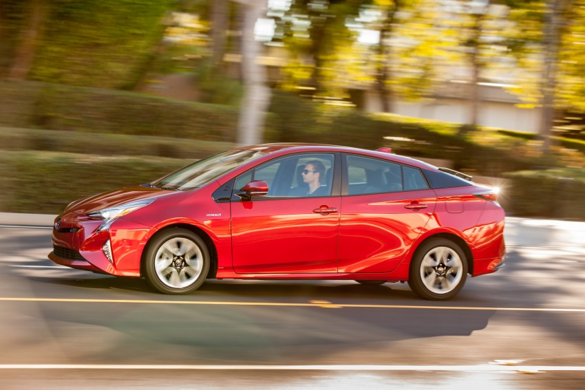 MEGA GALLERY: 2016 Toyota Prius debuts in the US Image #410201