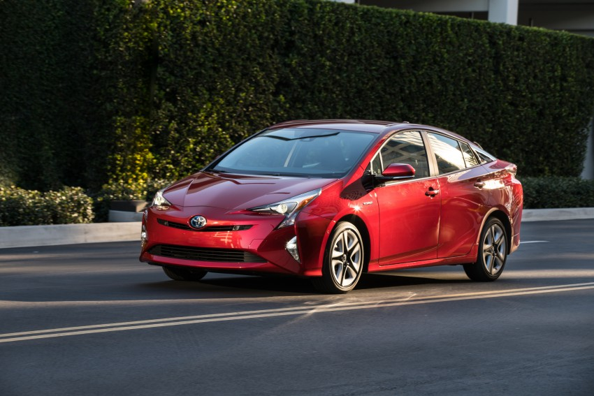 MEGA GALLERY: 2016 Toyota Prius debuts in the US Image #410193