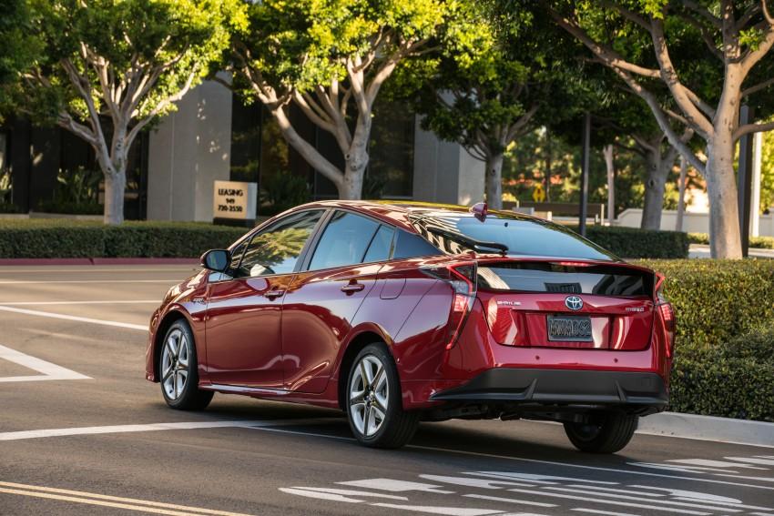 MEGA GALLERY: 2016 Toyota Prius debuts in the US Image #410199