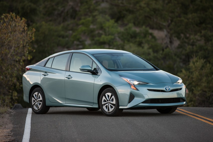 MEGA GALLERY: 2016 Toyota Prius debuts in the US Image #410181