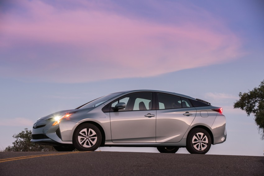 MEGA GALLERY: 2016 Toyota Prius debuts in the US Image #410179