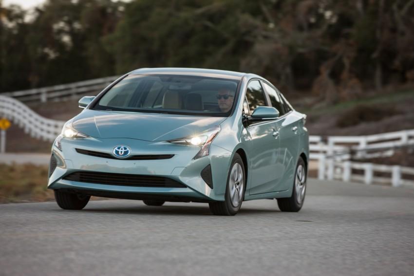 MEGA GALLERY: 2016 Toyota Prius debuts in the US Image #410175