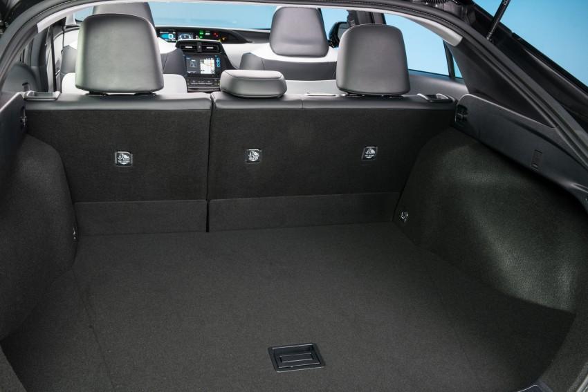 MEGA GALLERY: 2016 Toyota Prius debuts in the US Image #410160