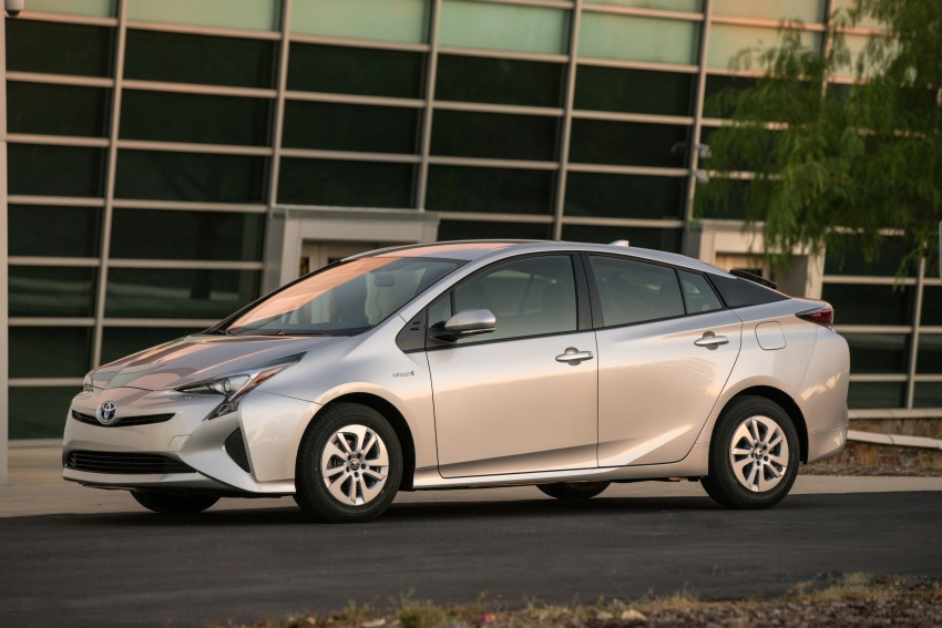 MEGA GALLERY: 2016 Toyota Prius debuts in the US Image #410163