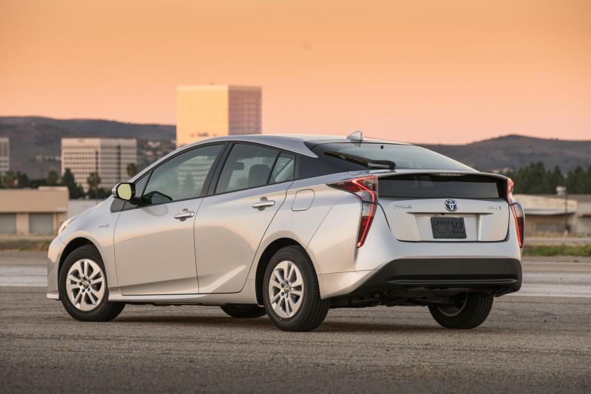 MEGA GALLERY: 2016 Toyota Prius debuts in the US Image #410154