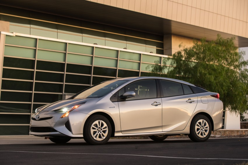 MEGA GALLERY: 2016 Toyota Prius debuts in the US Image #410159