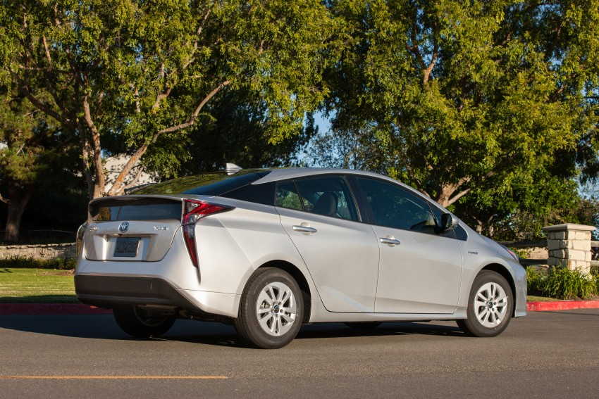 MEGA GALLERY: 2016 Toyota Prius debuts in the US Image #410148