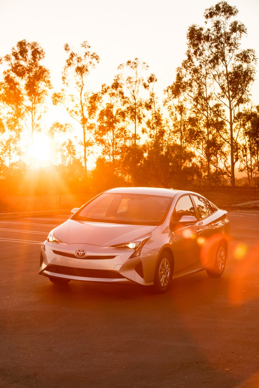 MEGA GALLERY: 2016 Toyota Prius debuts in the US Image #410152