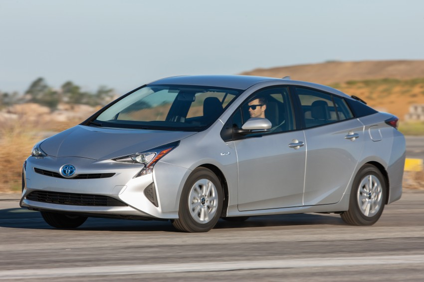 MEGA GALLERY: 2016 Toyota Prius debuts in the US Image #410147
