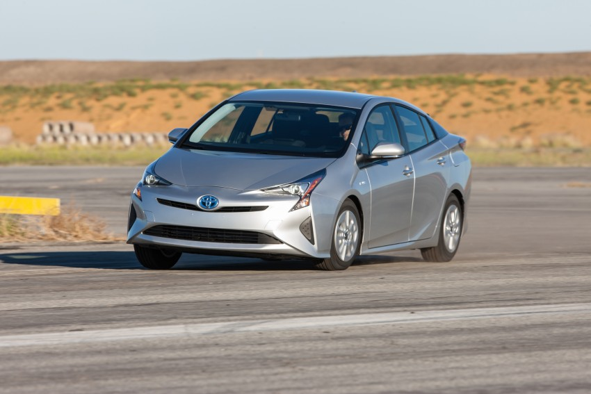 MEGA GALLERY: 2016 Toyota Prius debuts in the US Image #410145