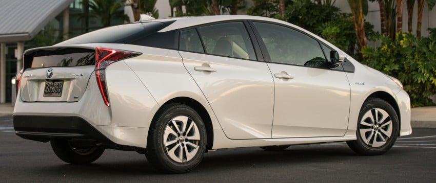 MEGA GALLERY: 2016 Toyota Prius debuts in the US Image #410142