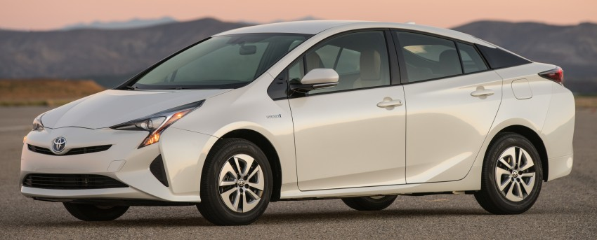 MEGA GALLERY: 2016 Toyota Prius debuts in the US Image #410140