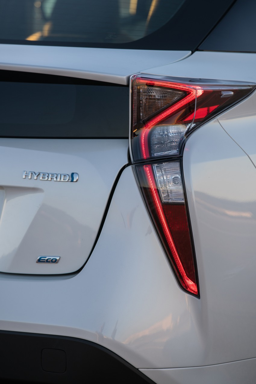 MEGA GALLERY: 2016 Toyota Prius debuts in the US Image #410138