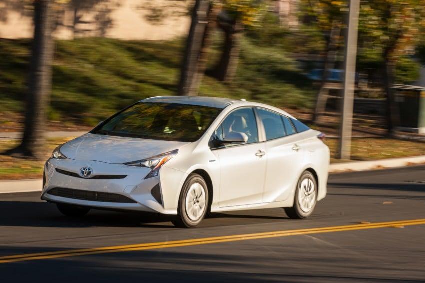 MEGA GALLERY: 2016 Toyota Prius debuts in the US Image #410132