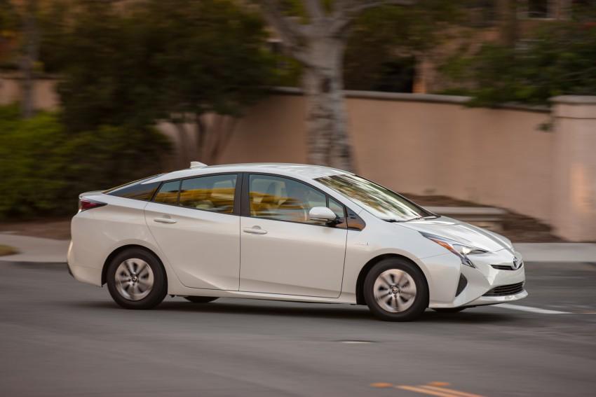 MEGA GALLERY: 2016 Toyota Prius debuts in the US Image #410131