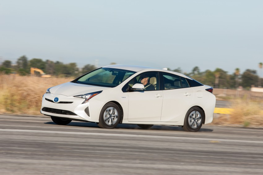 MEGA GALLERY: 2016 Toyota Prius debuts in the US Image #410126